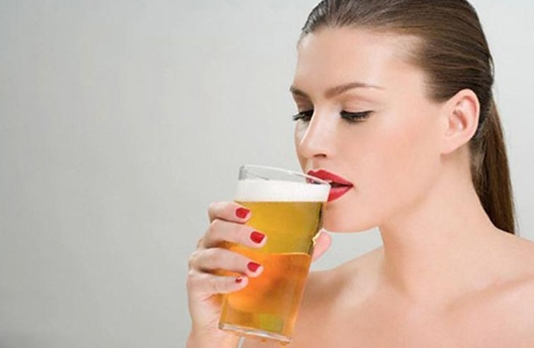 Bà Bầu Uống Bia Có Tốt Không?