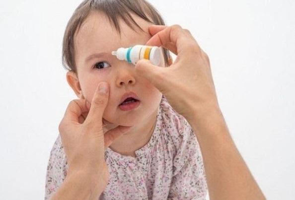 Trẻ Sơ Sinh Bị Đau Mắt Phải Làm Sao Để Hết Bệnh Và Không Tái Phát?